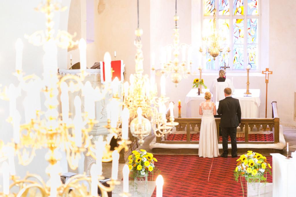 pulmad Hiiumaal, pulmafoto, Hiiu pulm, pulmafoto, laulatus Pyhalepa kirikus