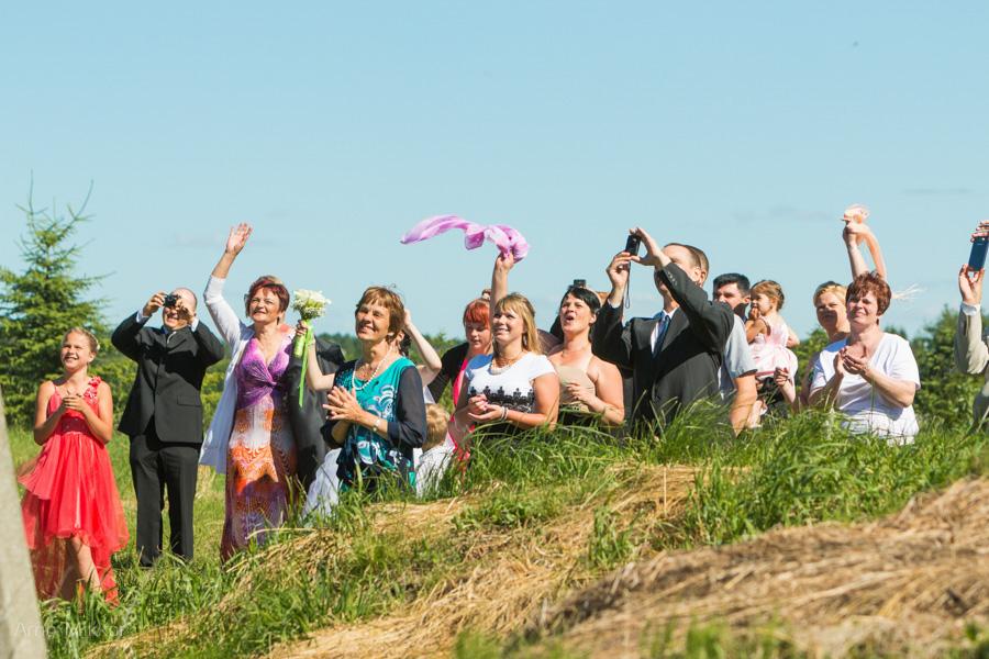 pulma pildistamine Põltsamaal, pulmarong, pulmafoto, pulmafotograaf