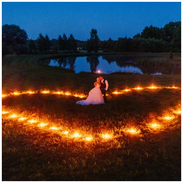 Ja pruut tuli üle vee- suvine pulmapidu Torupilli talus Mulgimaal